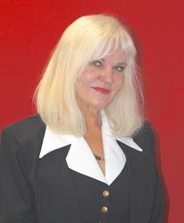 Cherry Momsen, estate agent
